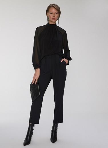 People By Fabrika Büzgü Detaylı Bluz Siyah